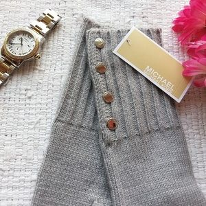 NWT MICHAEL Michael Kors • Cozy Gray Winter Gloves